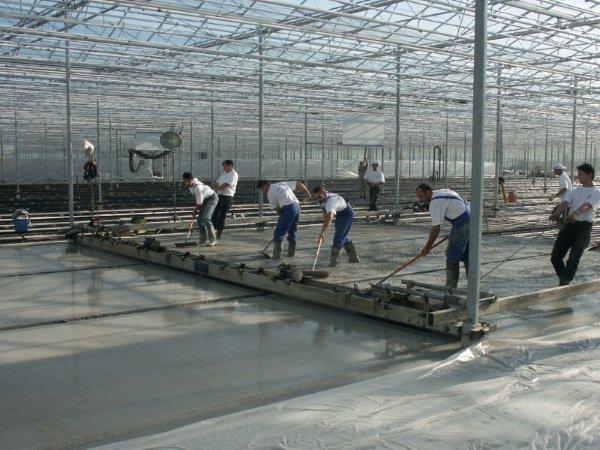 Beton in de glastuinbouw moet voldoen aan milieuklasse XA2