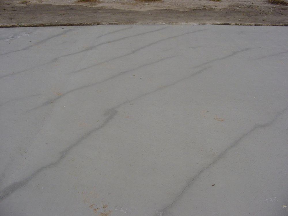 Plastische krimp, het voortijdig uitdrogen van vers beton