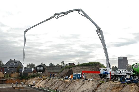 Pompen van beton wordt toegepast voor moeilijk bereikbare plaatsen