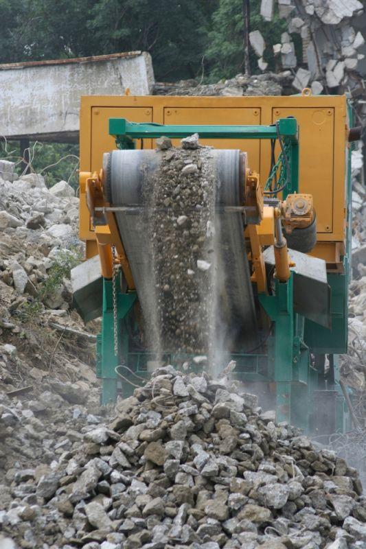 Recycling door het inzetten van een steenbreker