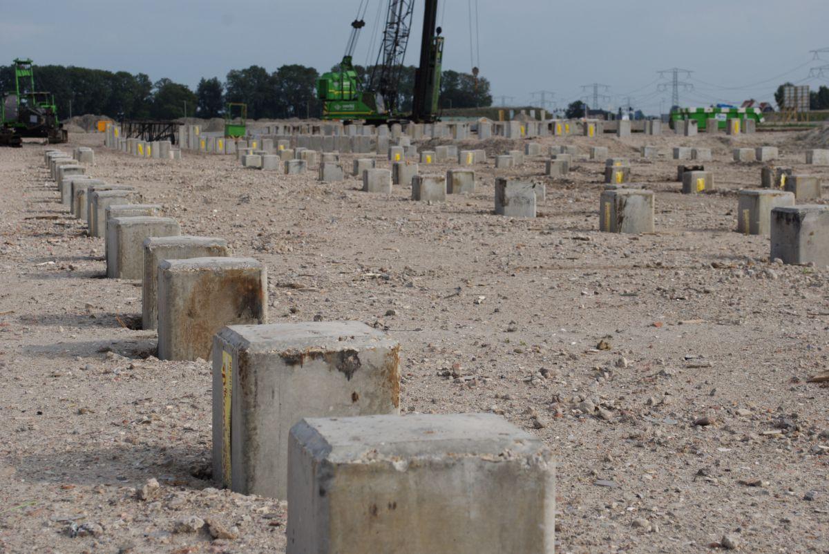 Voor de slappe Nederlandse ondergrond zijn vaak funderingspalen nodig
